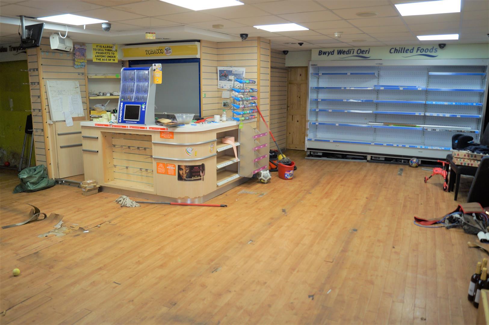 Convenience Store, Cafe & Flat, Penlan Street, Pwllheli